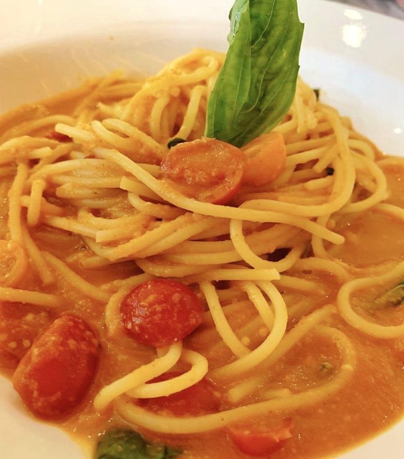 Spaghetti-pomodoro-restaurante-torino